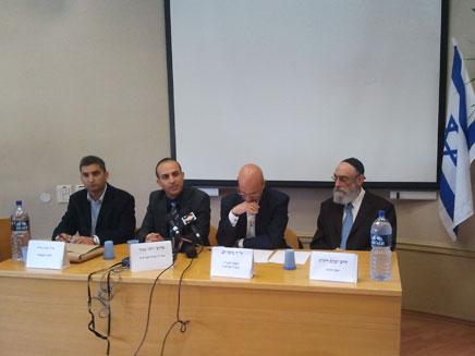 מסיבת העיתונאים באבו כביר, היום (צילום: יוסי זילברמן, חדשות 2)