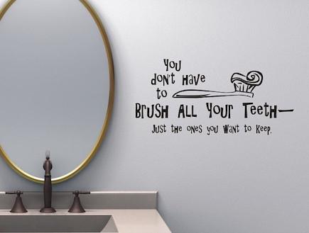 אורבני. חדר רחצה. מדבקת קיר (צילום: מתוך האתר etsy.com)