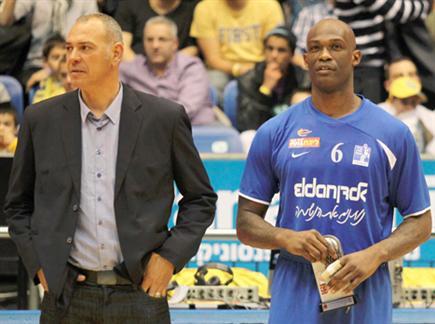 שמעון אמסלם ומרקו קילינגסוורת בימים אחרים (אלן שיבר) (צילום: ספורט 5)