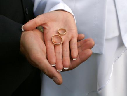 זוג מחזיק טבעות נישואים