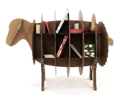 עיצוב חיות, מדפים בצורת כבשה (וידאו WMV: מתוך אתר: http://www.joethepolarbear.com, living)