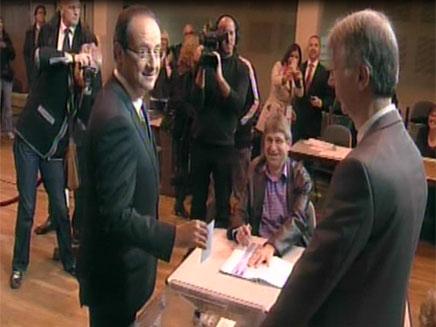 בדרך לנשיאות עוצרים בקלפי, הולנד (צילום: חדשות 2)