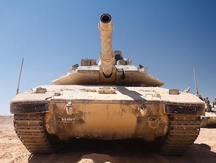 מבחן נסיעה על טנק מרכבה סימן 4 (צילום: נועם עופרן)