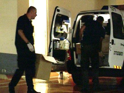 חוקרי המשטרה בזירת האירוע (צילום: חדשות 2)