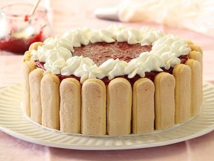 עוגת גבינה בציפוי פטל (צילום: חן שוקרון, אוכל טוב)
