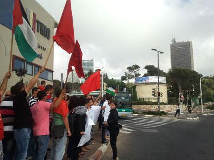 דגלי פלסטין בחיפה, היום (צילום: פוראת נאסר)