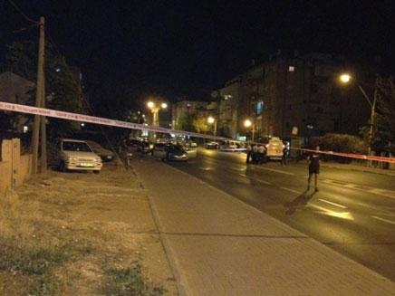 המשטרה סגרה את זירת הרצח, הלילה ברחובות