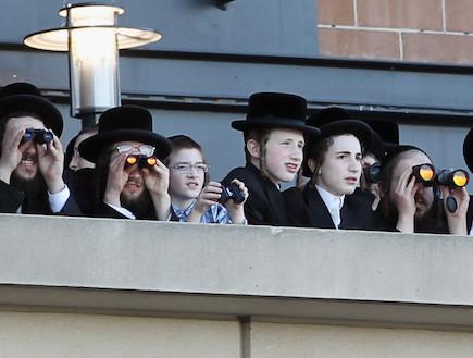 חרדים מפגינים נגד האינטרנט (אצטדיון סיטיפילד, NY) (צילום: Mario Tama, GettyImages IL)
