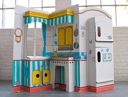 משחקי ילדים, מטבח עשוי מקרטון (וידאו WMV: מתוך האתר: www.buildadreamplayhouses.com)