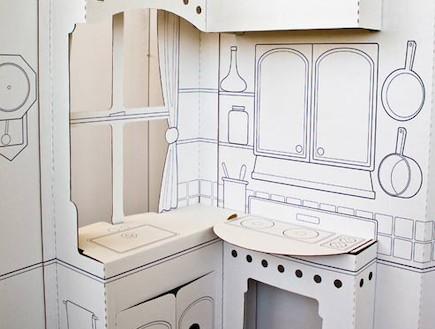 משחקי ילדים, מטבח מקרטון לפני צביעה (וידאו WMV: מתוך האתר: www.buildadreamplay.com)