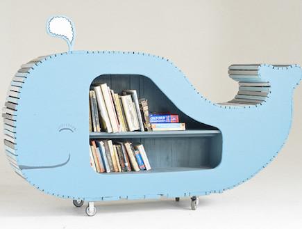 משחקי ילדים, מזנון לספרים דמוי לויתן (וידאו WMV: מתוך האתר: http://www.justinsouthey.blogspot.com/)