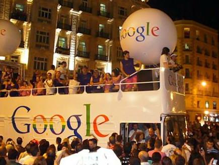גוגל במדריד במצעד הגאווה (צילום: אימג'בנק/GettyImages)