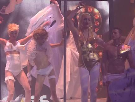 קיי לונג במסיבה של שירזי (וידאו WMV: mako)