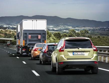 שיירה של מכוניות ללא נהג של וולוו בברצלונה (יח``צ: אתר וולוו, האתר הרשמי)