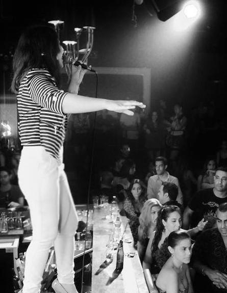 צליל קליפי הופעה שחור לבן (צילום: מוטי רוט)