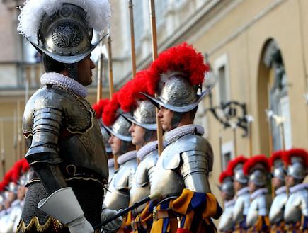 המשמר השוויצרי (צילום: Franco Origlia, GettyImages IL)