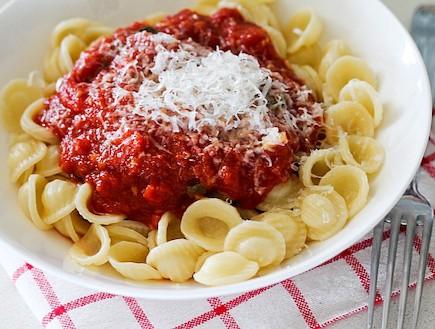 פסטה עם רוטב עגבניות