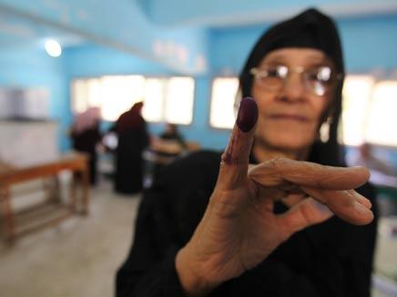 מצרים בוחרת: שאפיק או מורסי? (צילום: AP)
