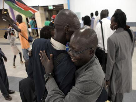 סודנים חוזרים הביתה (צילום: חדשות 2)