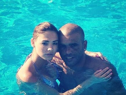אייל גולן ורוסלנה רודינה בבריכה