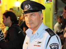 """המפכ""""ל יוחנן דנינו מבקר במרכזי הבילוי (צילום: משטרת ישראל)"""