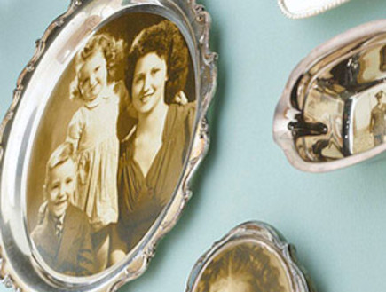תמונות משפחתיות (צילום: מתוך האתר: apartmenttherapy.com)