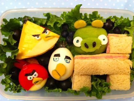 ארוחת אנגרי בירדס (צילום: buzzfeed)