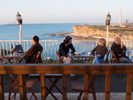 בית חנקין, מסעדת חוף (צילום: אלון סיגוי,  יחסי ציבור )