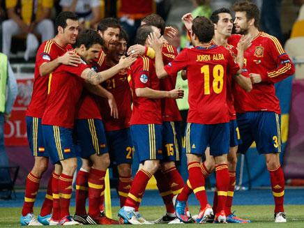 נבחרת ספרד חוגגת, אמש