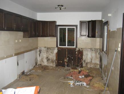 סטודיו סמואלוב- מטבח-לפני (צילום: תומר ושחר צלמים)