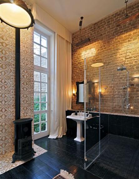 חדר אמבטיה (צילום: שי אדם)