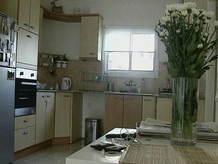 מקצצים בחצי חדר: כך מוזילים דירה (צילום: חדשות 2)