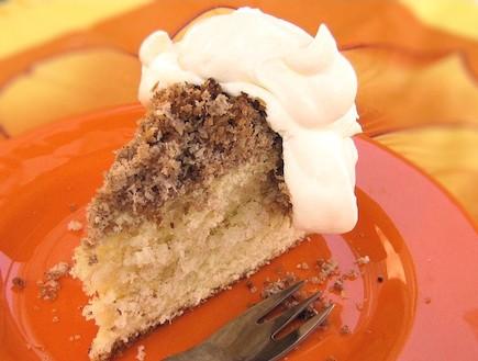 עוגת חמאה עם שטרוזייל קוקוס (צילום: דליה מאיר, קסמים מתוקים)