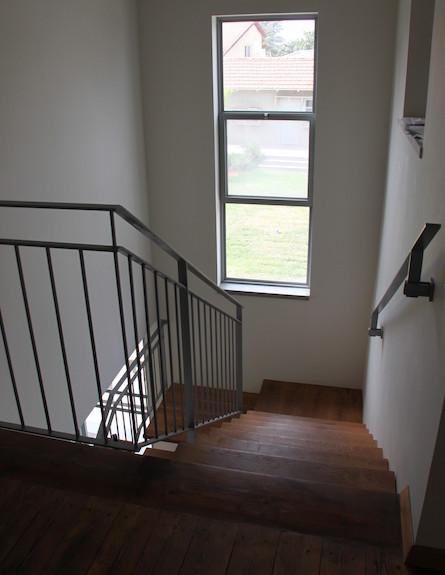 מדרגות_לעליית_גג