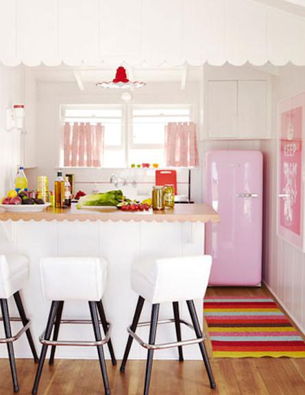 נגיעות ורודות במטבח (צילום: מתוך האתר designismine.blogspot)