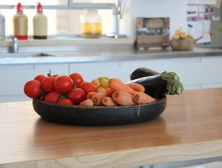 ירקות במטבח, הבית בנווה אילו (צילום: STUDIO DETAILS)