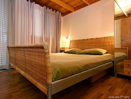חדר שינה בקינמון (צילום: סשה אלכוב,  יחסי ציבור )