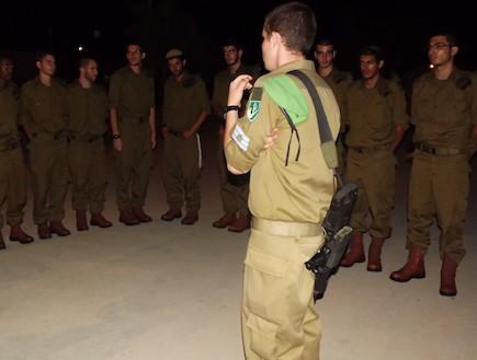 """הלילה הראשון בצבא של טירוני נח""""ל (צילום: שי לוי)"""
