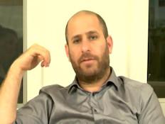 חנוך דאום בראיון בלעדי (תמונת AVI: mako)