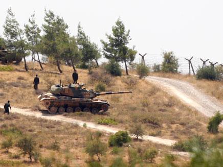 טנק טורקי בגבול עם סוריה (צילום: חדשות 2)