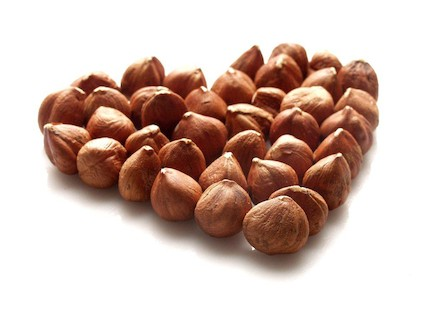 אגוזי לוז (צילום: חגית גורן)