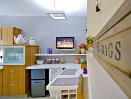 כדים במטבח (צילום: איתי סיקולסקי)