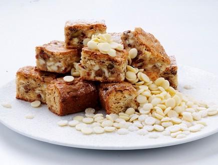 בראוניז עם שוקולד לבן (צילום: איליה מלניקוב, אוכל טוב)