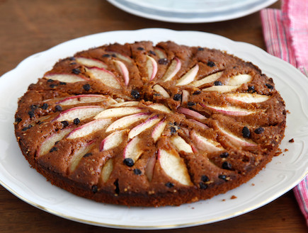 עוגת נקטרינות בריאה (צילום: אפיק גבאי, אוכל טוב)