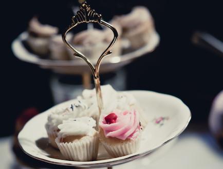 מעמד לעוגות (צילום: אלון מור)