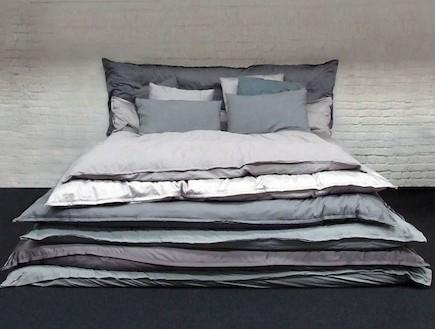 מיטה אפורה (צילום: lacambre.be)