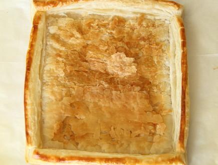 טארט שושני נקטרינות - הבצק אפוי (צילום: חן שוקרון, אוכל טוב)