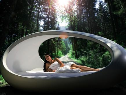 מיטה בצורת ביצה (צילום: מתוך האתר-bouf.com)