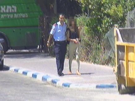 נמלטה מהמשטרה לעיני המצלמות (צילום: חדשות 2)
