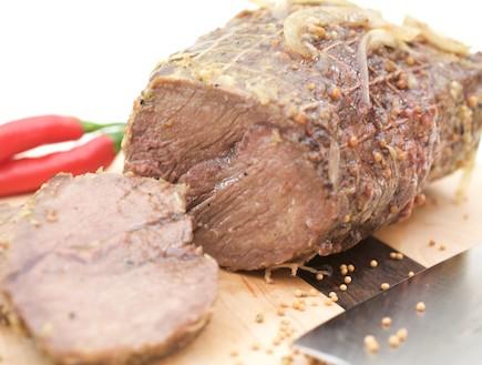 גלילת בשר עם חרדל ודבש (צילום: דרור כץ, האתר הקולינרי של פסקל)